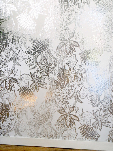 Erica Wakerly Hothouse Silver / White Wallpaper - Product code: HOT S/W