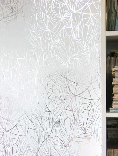 Image of Erica Wakerly Wallpapers Leaf White Silver, LEA S/W