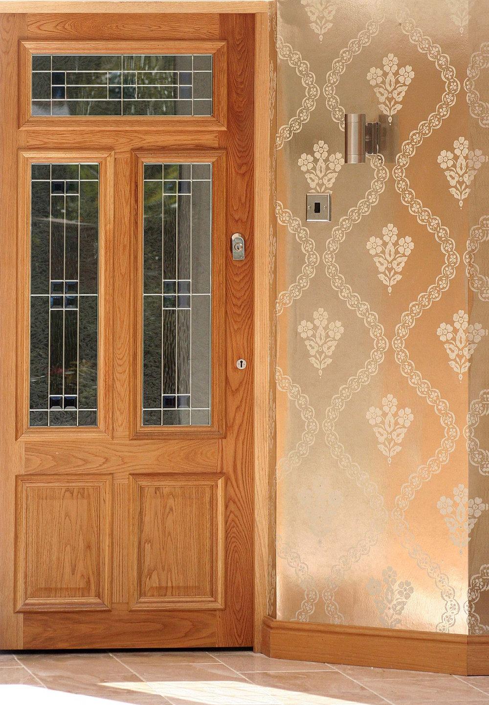 Kandola Garnet Wallpaper crystallised Platinum / Cream / Gold - Product code: W1506/02/GSHA001