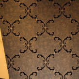 Kandola Trellis Scroll Flocked Wallpaper crystallised Black / Gold