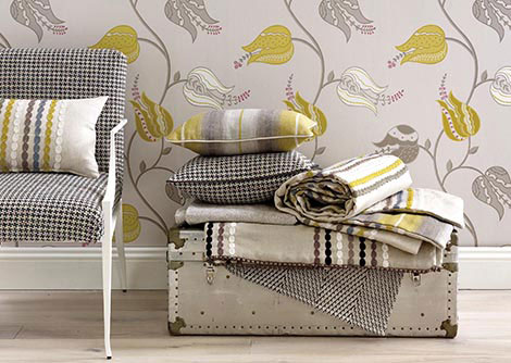 Osborne & Little Isfahan Tulip Brown / White / Yellow Wallpaper
