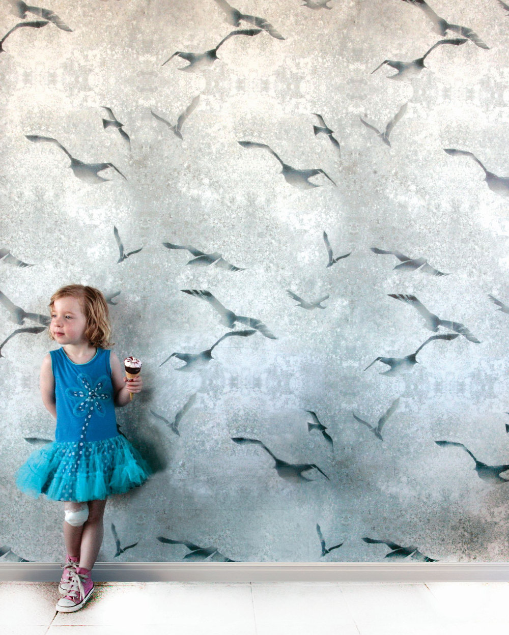 Louise Body Flight Chalk Wallpaper - Product code: Flight Chalk