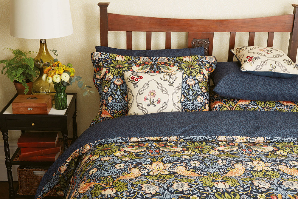 Morris Strawberry Thief Housewife Pillowcase Indigo - Product code: 103025