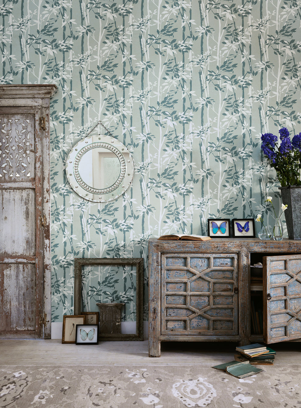 Sanderson Beechgrove Charcoal / Gilver Wallpaper - Product code: 214570
