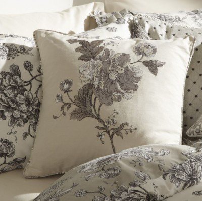 Image of iliv Cushions Aquitaine Cushion, 671015