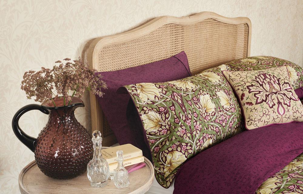 Morris Pimpernel Housewife Pillowcase Aubergine extra image