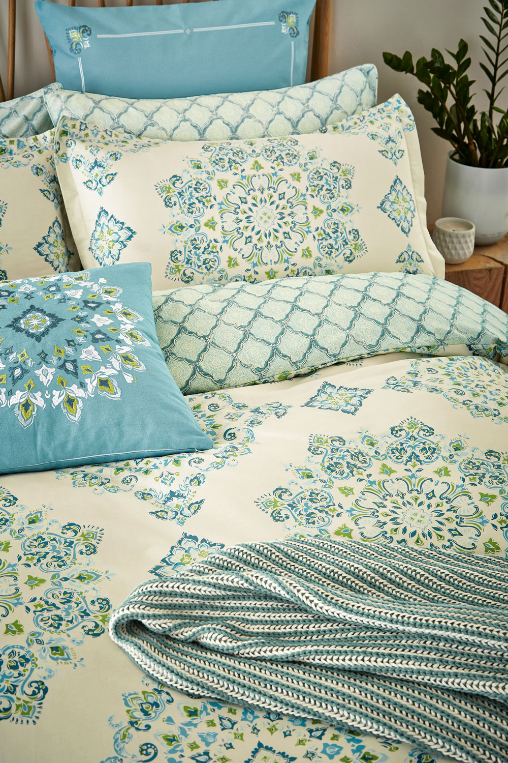 Echo New York Parvani Duvet Duvet Cover extra image