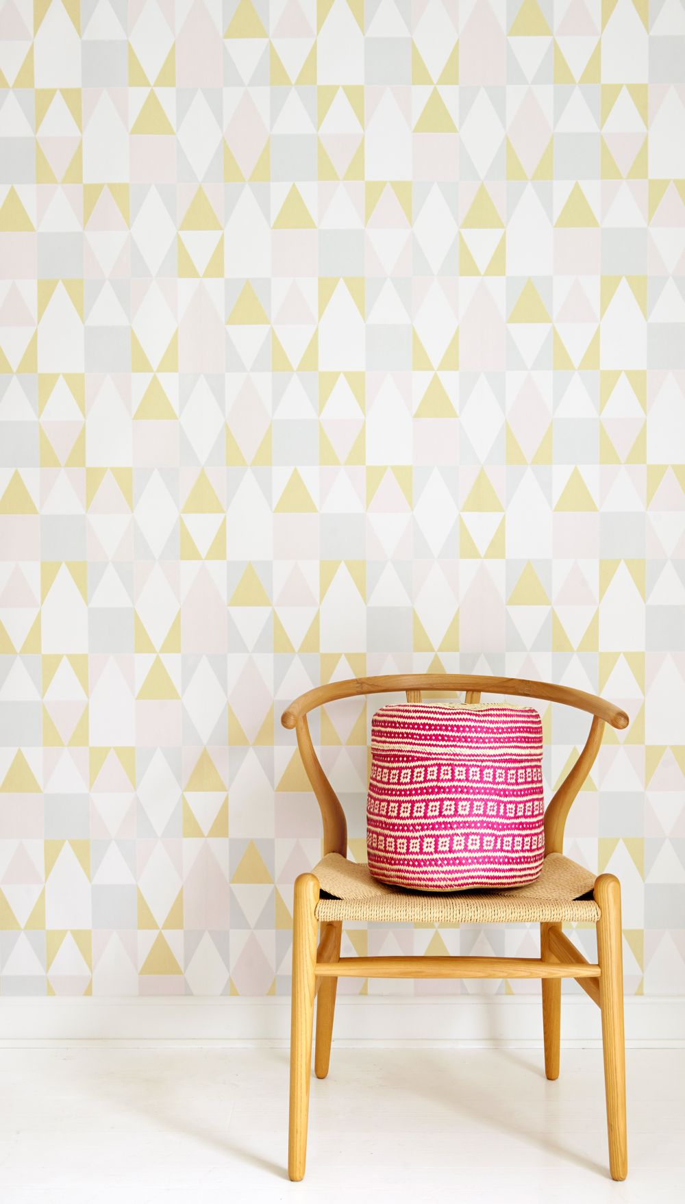 Majvillan Alice Soft Yellow Wallpaper - Product code: 109-01