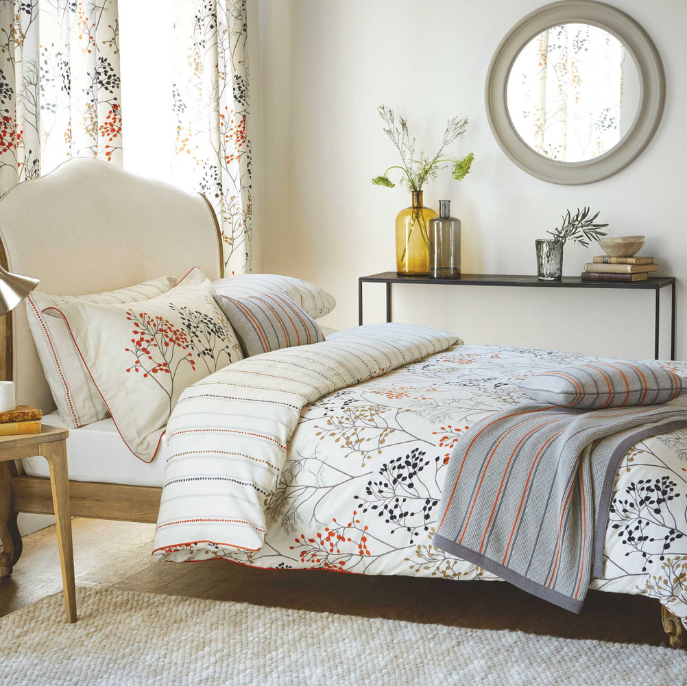 Sanderson Pippin Knitted Cushion - Product code: DA3537040