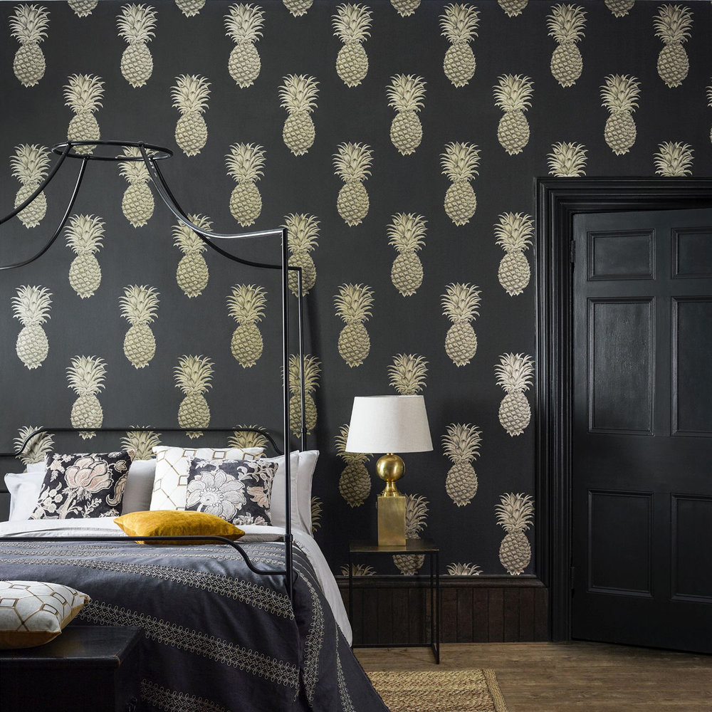 Sanderson Pineapple Royale Graphite / Gold Wallpaper extra image