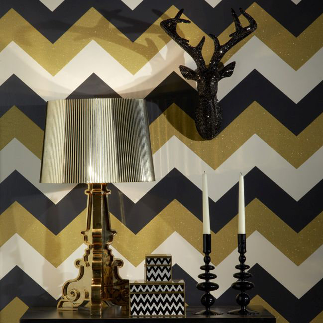 Glitterati Chevron Wallpaper - Black / Gold - by Arthouse