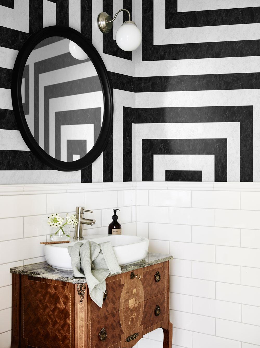 Østerbro Mural - Black / White - by Sandberg