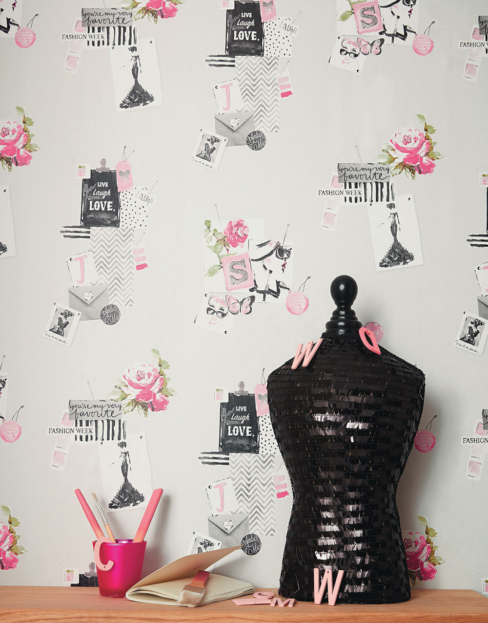 Caselio Madame Grey and Pink Wallpaper - Product code: PRLI 6915 40 07