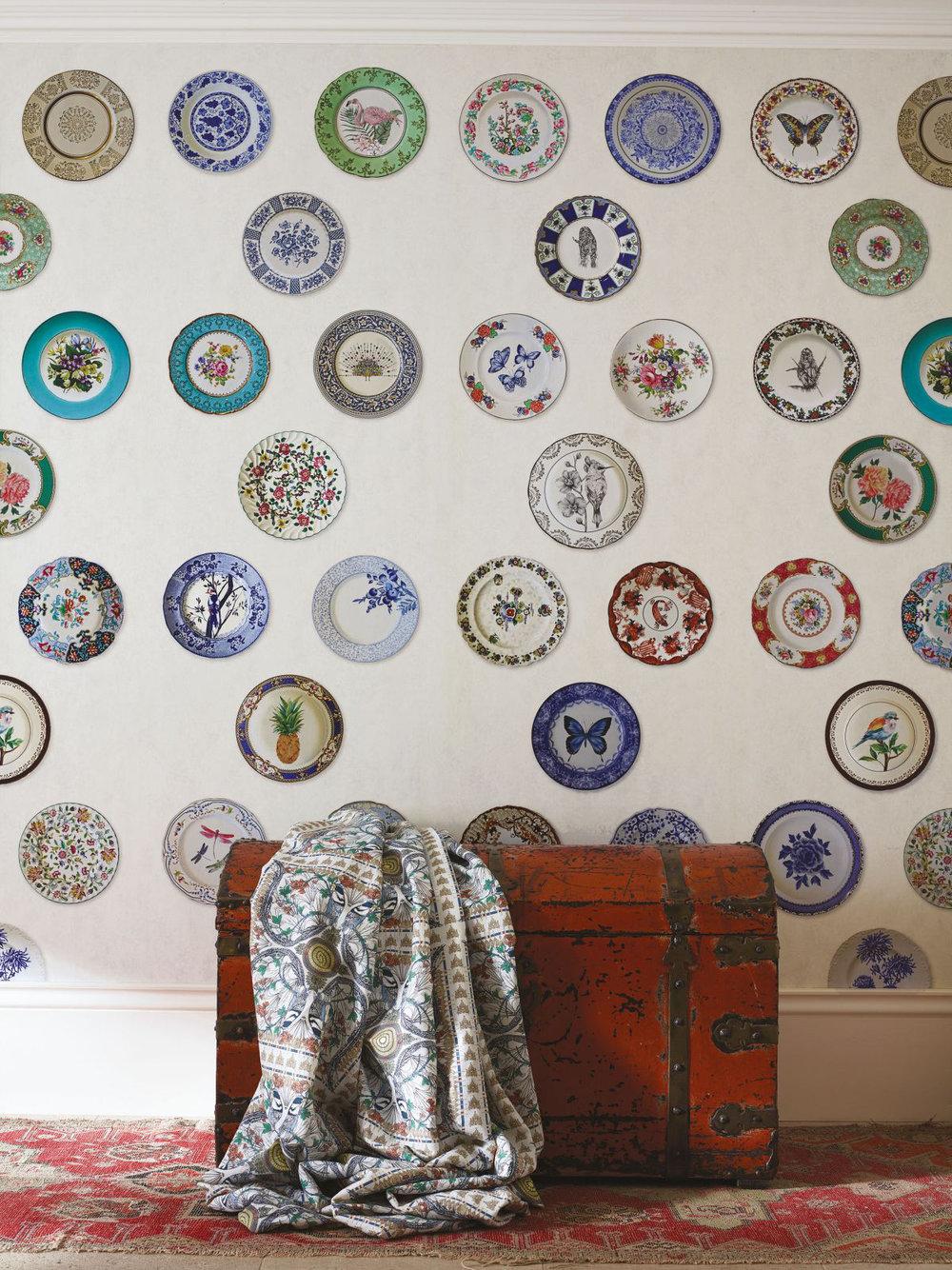 Ceramica Wallpaper - Ivory - by Matthew Williamson
