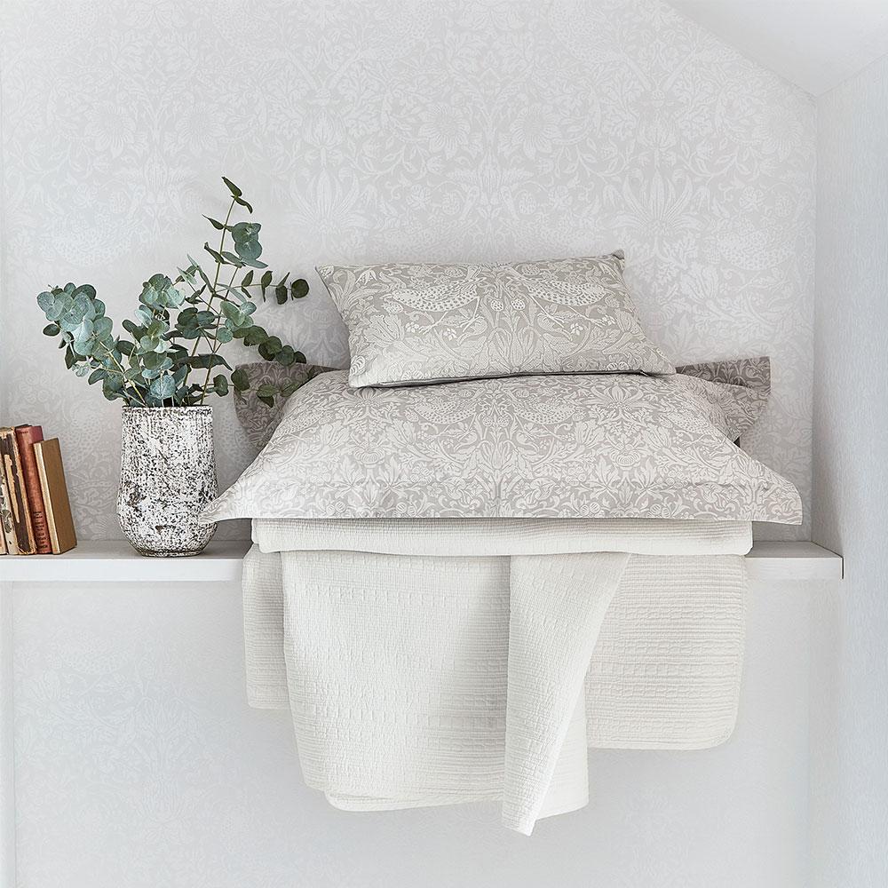 Morris Pure Strawberry Thief Oxford Pillowcase Pebble - Product code: DA21081025