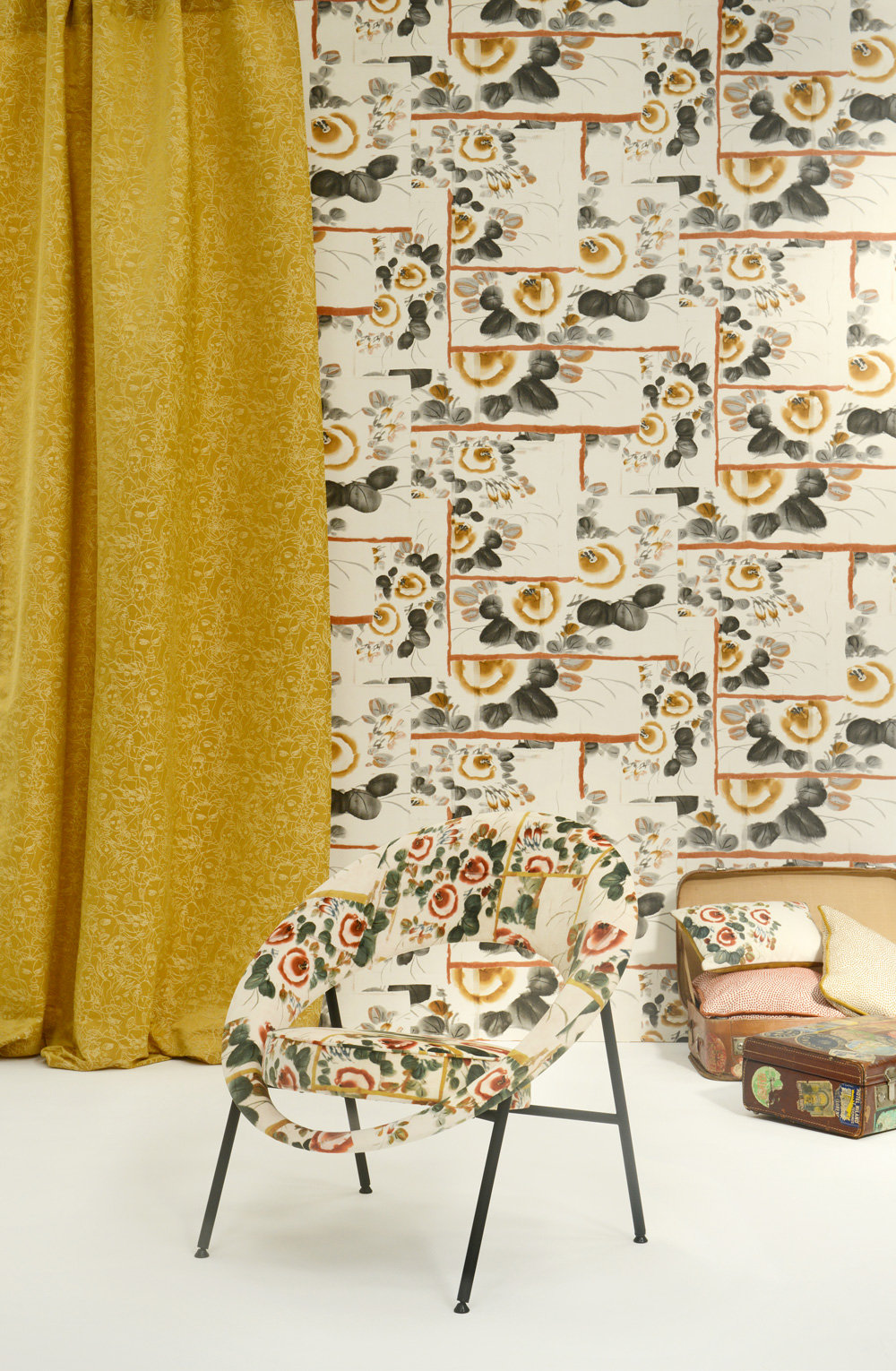 Jean Paul Gaultier Anastasia Golden Wallpaper - Product code: 3317/04