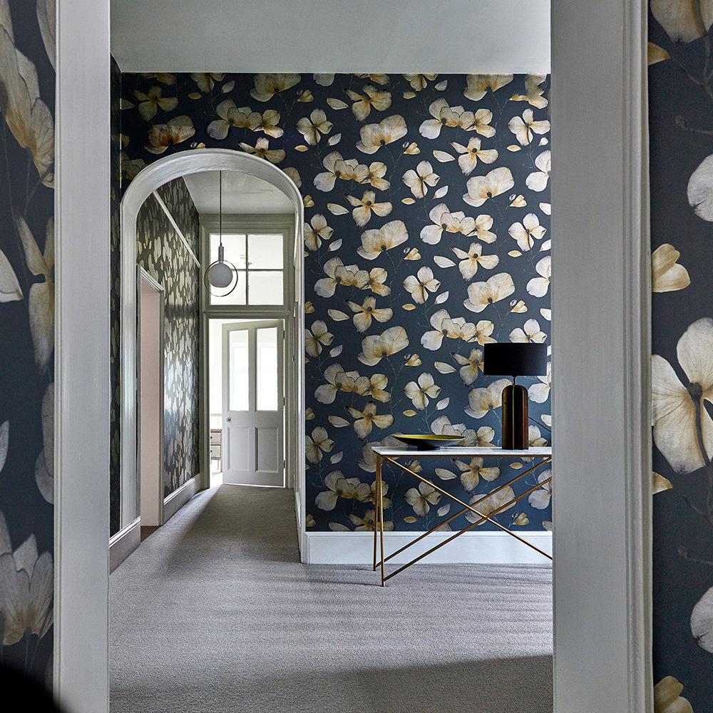 Kienze Wallpaper - Graphite / Gilver - by Harlequin