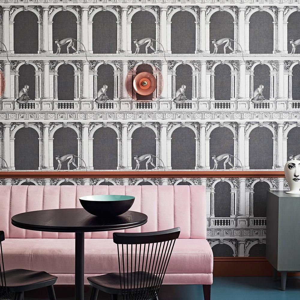 Cole & Son Procuratie e Scimmie Black / White Wallpaper - Product code: 114/21041