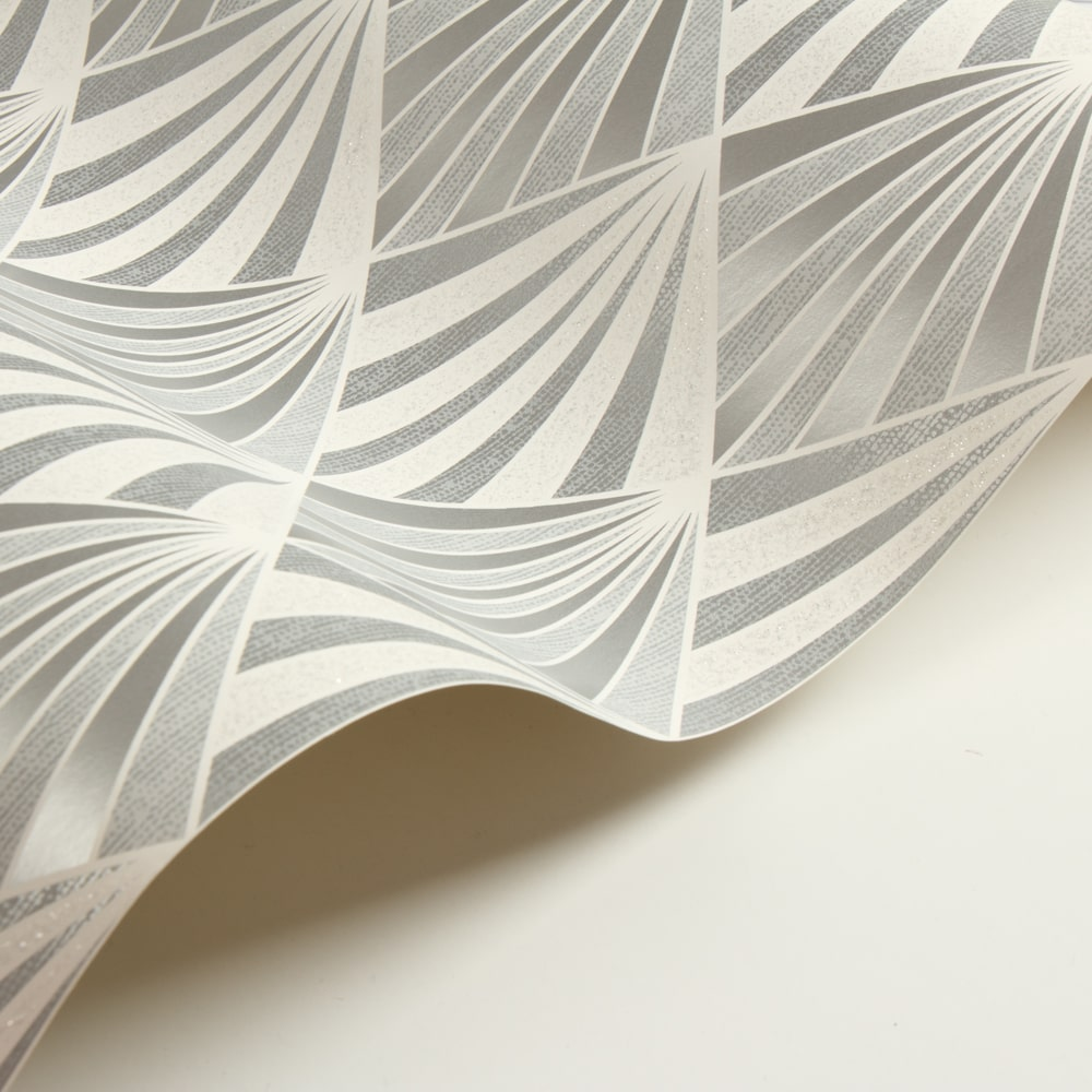 Albany Aster Silver Wallpaper - Product code: 156101