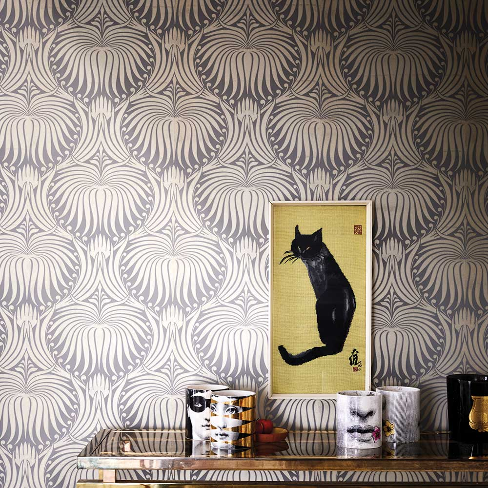 Lotus Wallpaper - Grey / Gilver - by Farrow & Ball