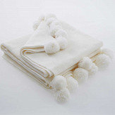 Oasis Pom Pom Throw Ivory - Product code: M3102/01
