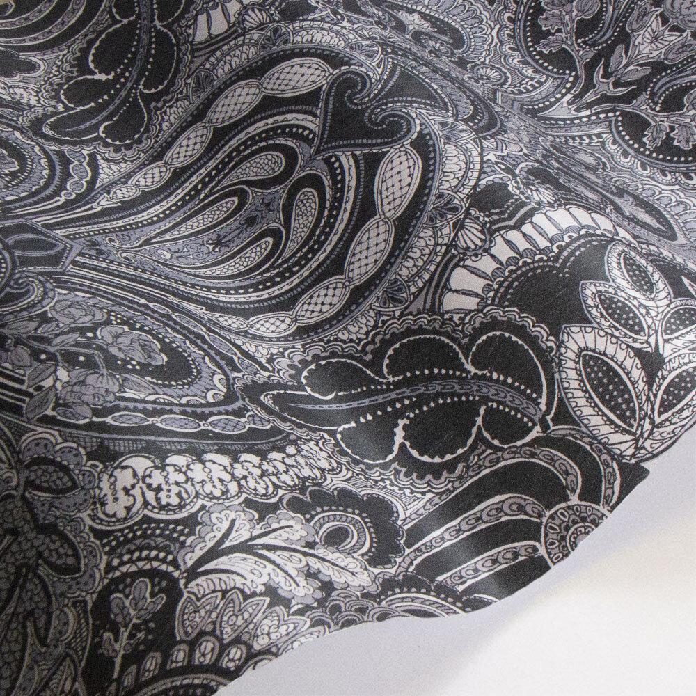 Laurence Llewelyn-Bowen Damask Dangereuse Silver / Black Wallpaper - Product code: LLB6028