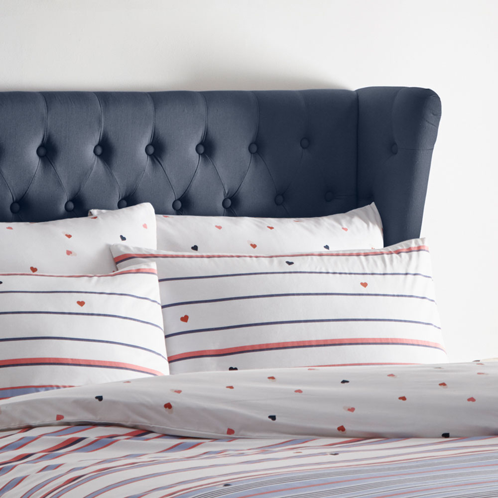 Kissing Hearts Pillowcase Pair - Candy - by Oasis