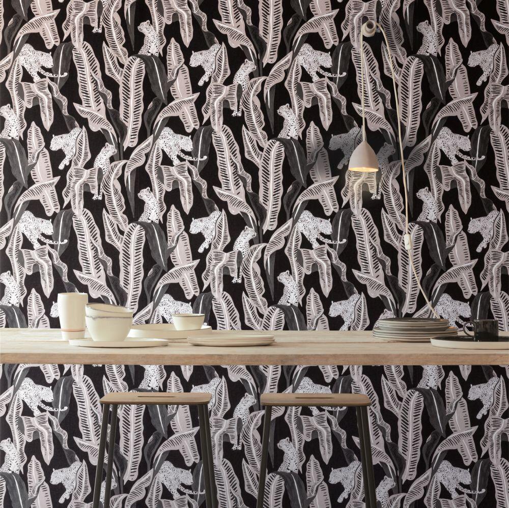 Jagar Wallpaper - Midnight - by Zoom by Masureel
