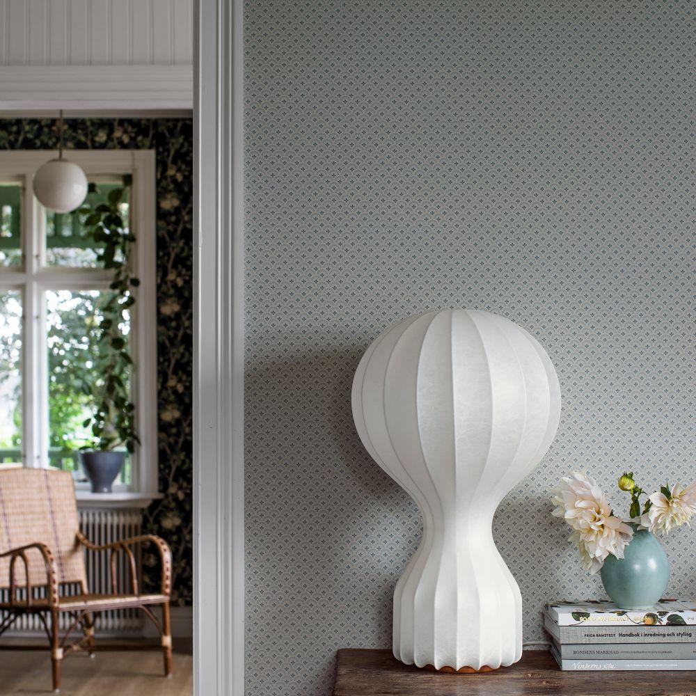Daisy Wallpaper - Grey - by Boråstapeter