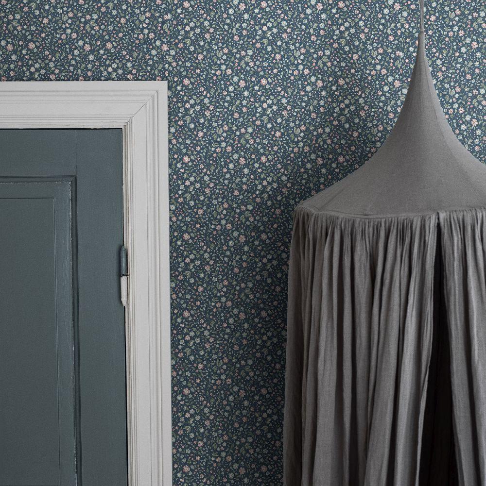 Jasmine Wallpaper - Dark Blue - by Boråstapeter