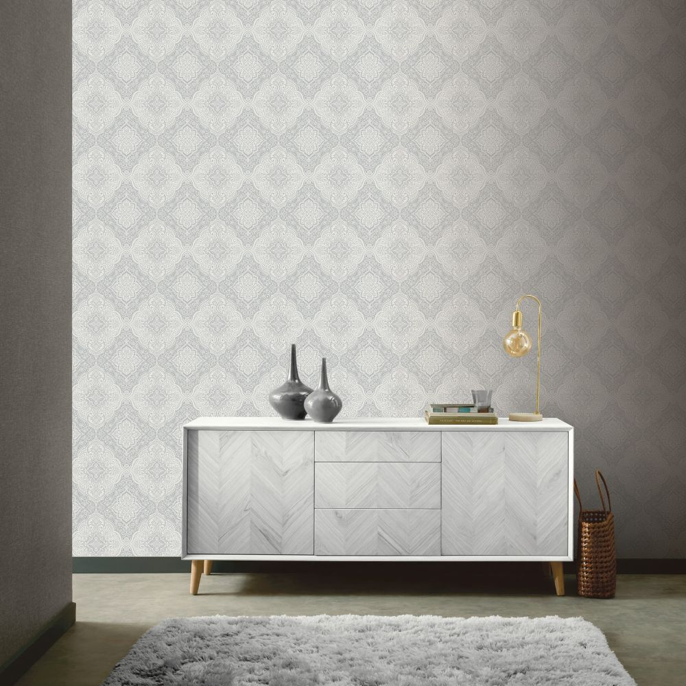 Luxe Medallion Wallpaper - White / Silver - by Arthouse