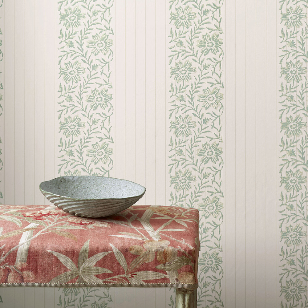 Alys Wallpaper - Leaf - by Colefax and Fowler