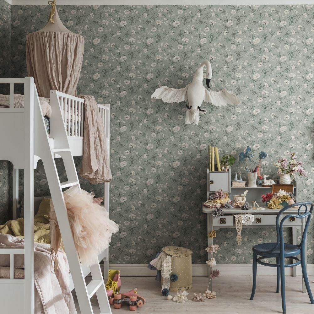 Emilie Wallpaper - Garden Green - by Sandberg