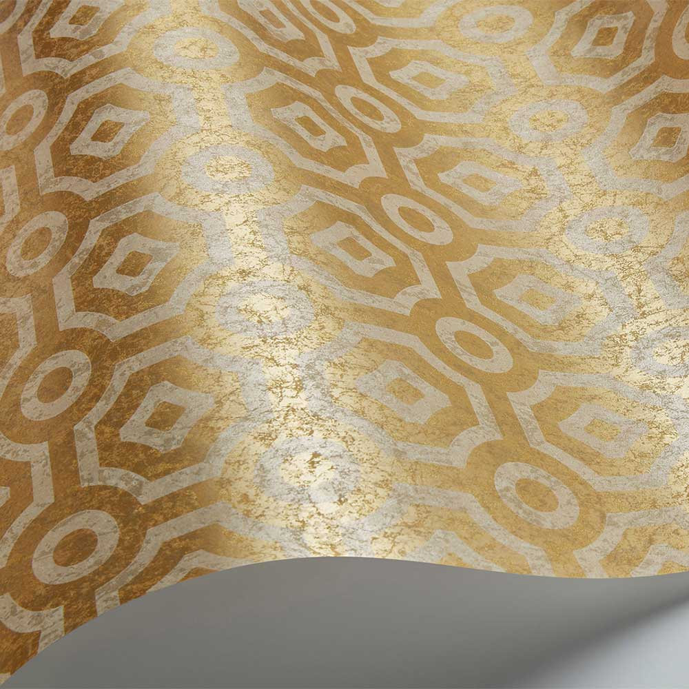 Queen's Quarter Wallpaper - Metallic Silver / Gold - by Cole & Son