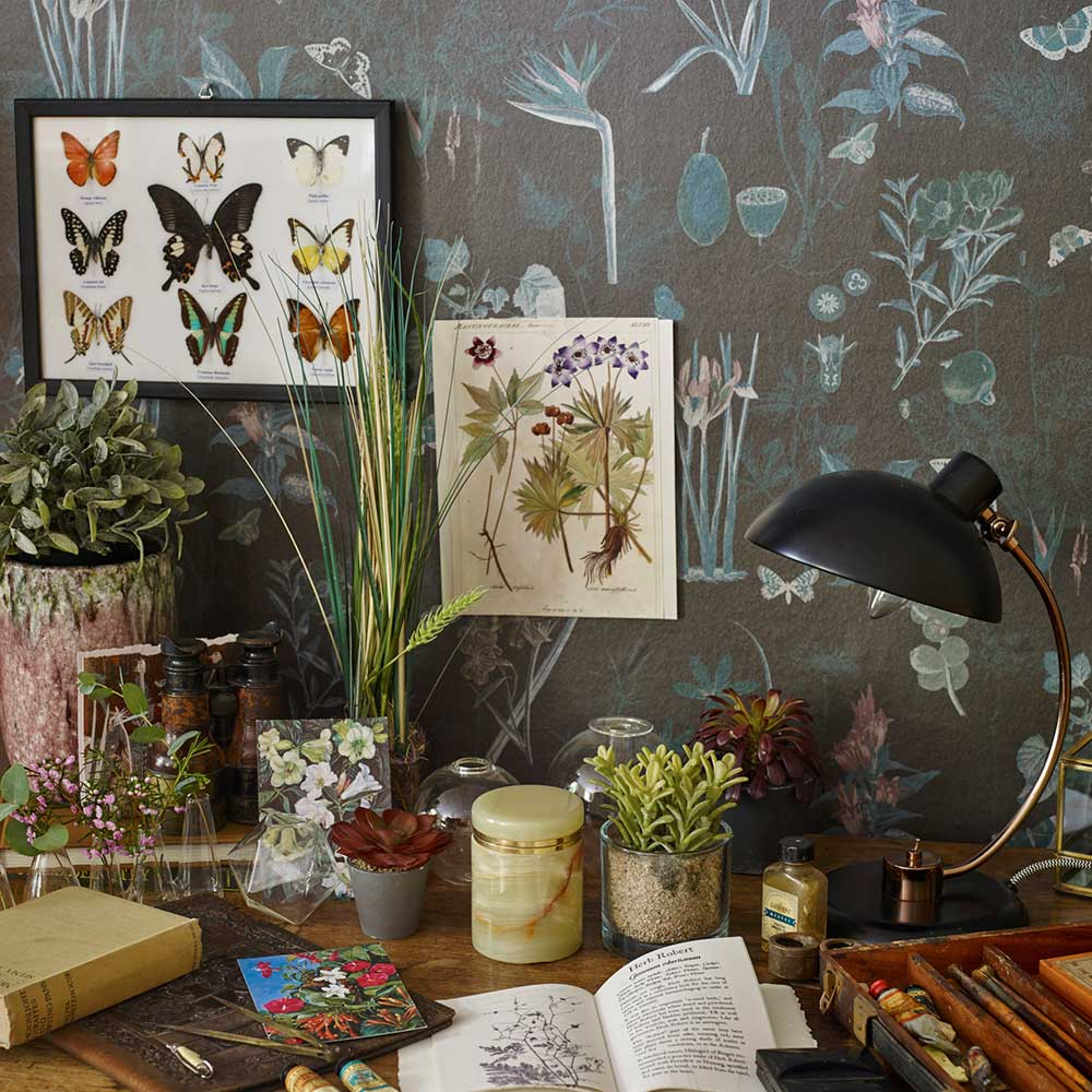 Marianne Wallpaper - Noir - by Elizabeth Ockford