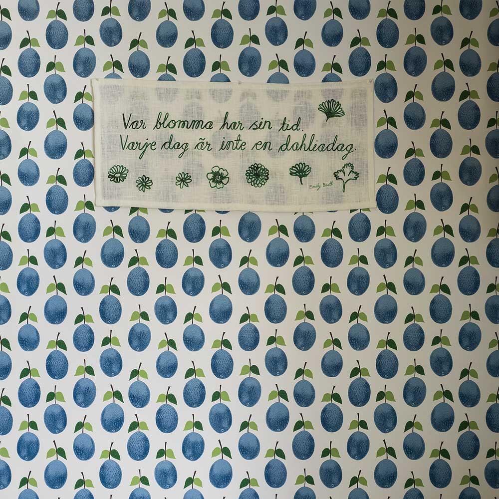 Prunus Wallpaper - Navy - by Boråstapeter