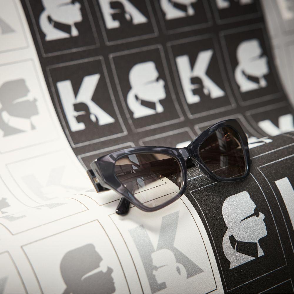 Kameo Wallpaper - Black - by Karl Lagerfeld