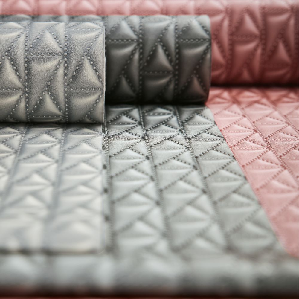Kuilted Wallpaper - Red - by Karl Lagerfeld