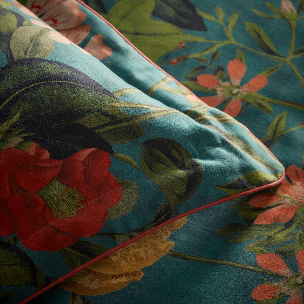 Passiflora Kingsize Duvet Set Duvet Cover - Kingfisher - by Clarke & Clarke
