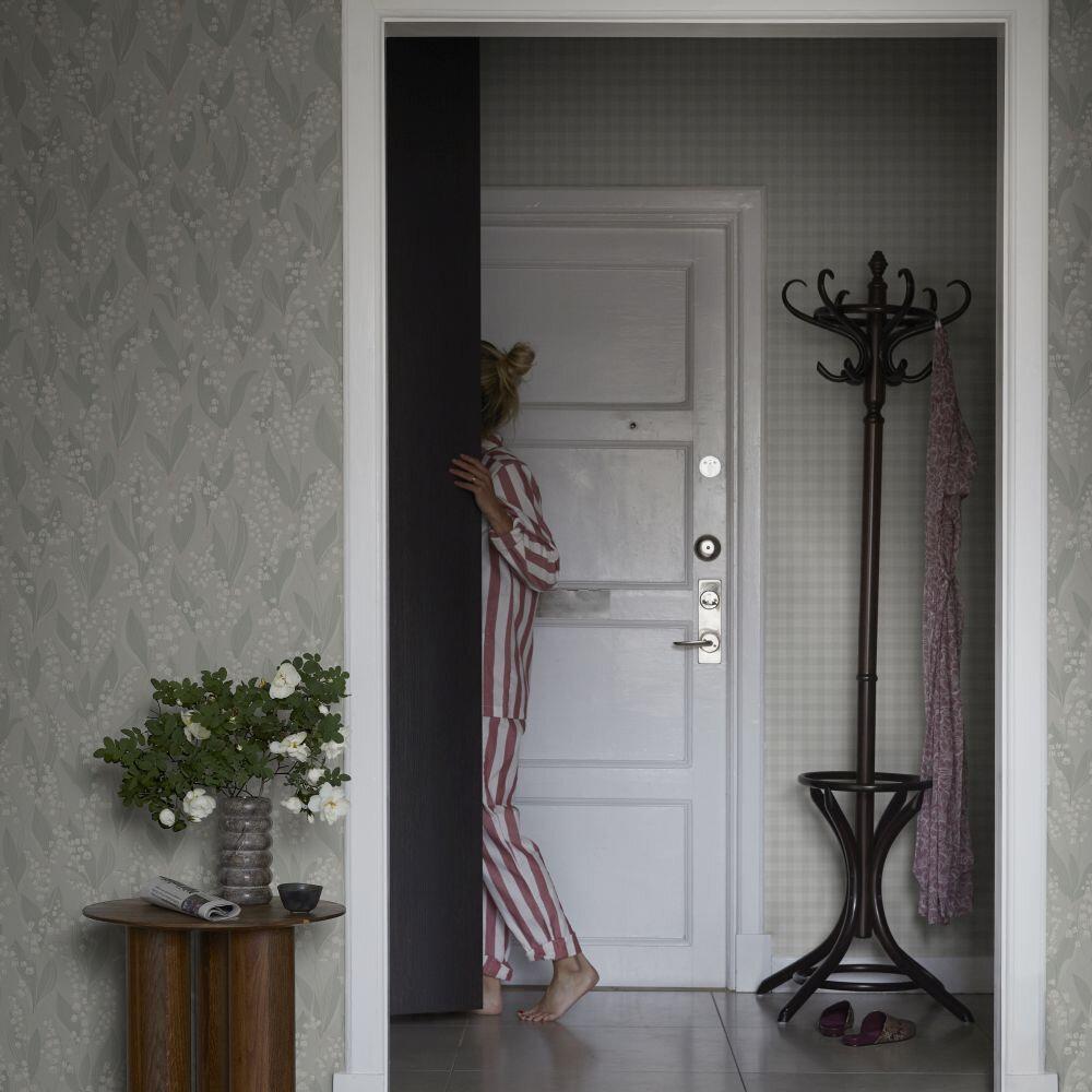 Lilijekonvalj Wallpaper - Sage Green - by Sandberg