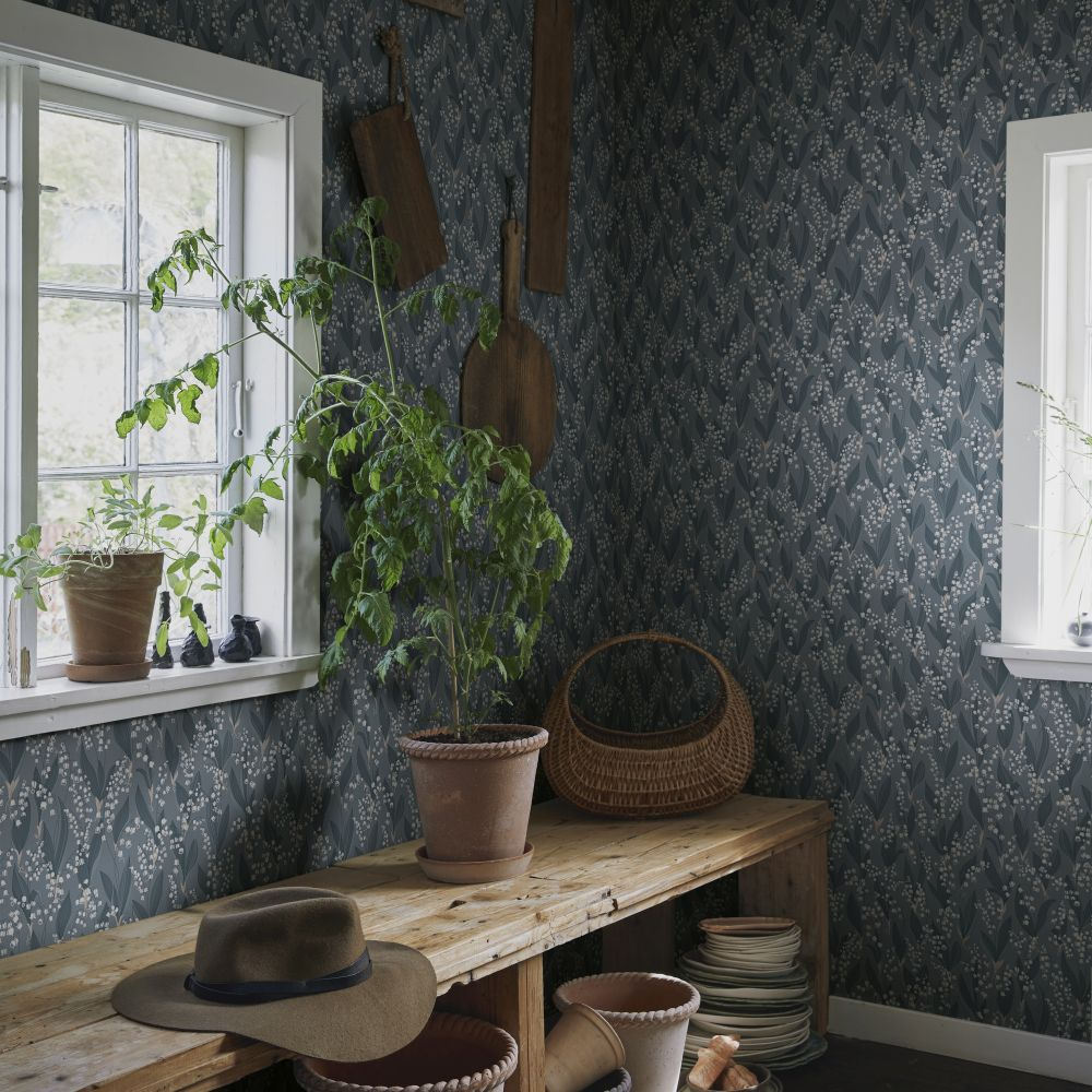 Lilijekonvalj Wallpaper - Indigo Blue - by Sandberg