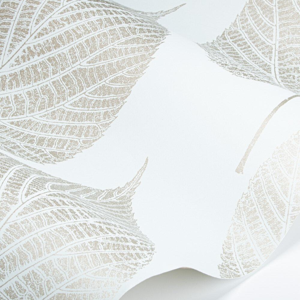 Leaf Wallpaper - Sky/Gilver - by Harlequin