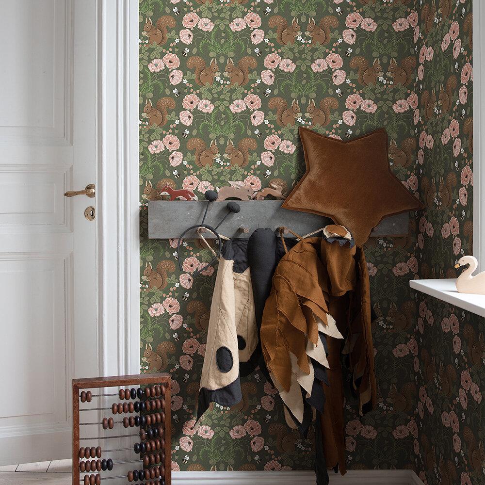 Kurre Wallpaper - Green/ Poppy - by Galerie